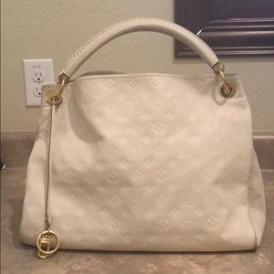Louis Vuitton Neige Empreinte Artsy MM Bag